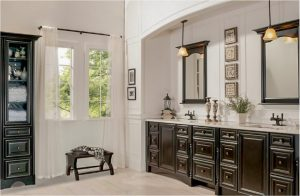 bathroom-cabinets-in-alpharetta-black-shiny-vanity